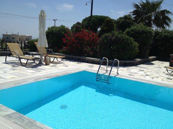 Anthonas Apartments: pool