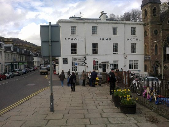Atholl Arms Hotel: The hotel from the Bridge
