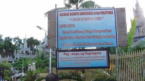 Cebu Island, Philippines: Simila Shrine dress code