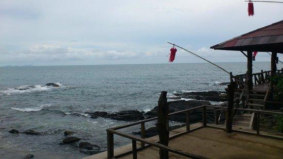 Bamboo Bay Resort: view from bar