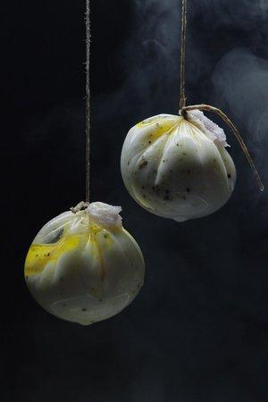 Bocca: Huevos Potché trufados con jamón