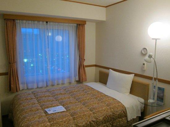 Toyoko Inn Hirosaki Station : single room