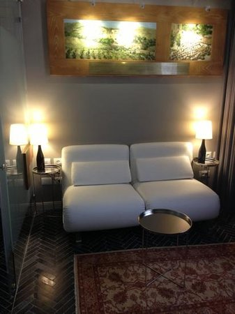 The Rothschild Hotel - Tel Aviv's Finest : Living room Suite 21-22