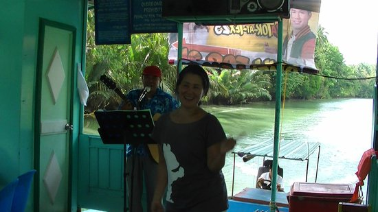 Loboc River Cruise: Singer and lady dancing at the cruise