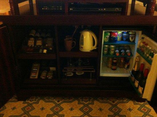 Jumeirah Mina A'Salam: Mini Bar