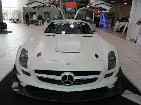 Mercedes benz picture of mercedes benz world at for Mercedes benz brooklands