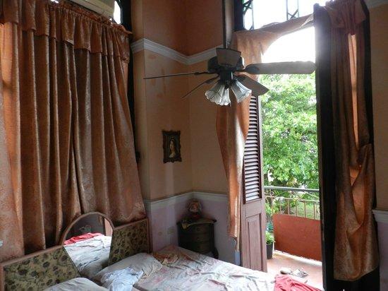 Casa Particular Sr. Wilfredo Carrasco: la camera e la brezza del Malecon