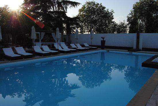 Villa Ragazzi : La piscine au petit matin