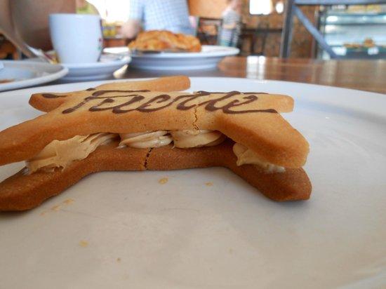 El Goloso del Cotillo: Cookie with nut cream