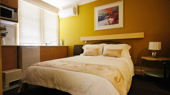 Sydney City Lodge: double bed with ensuite