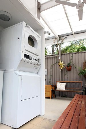 Sydney City Lodge : washer & dryer