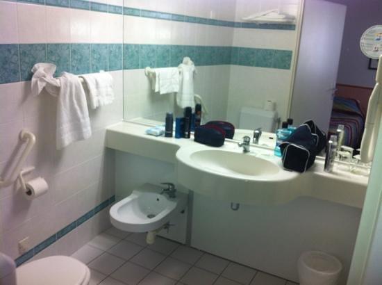 Hotel Alba: bathroom