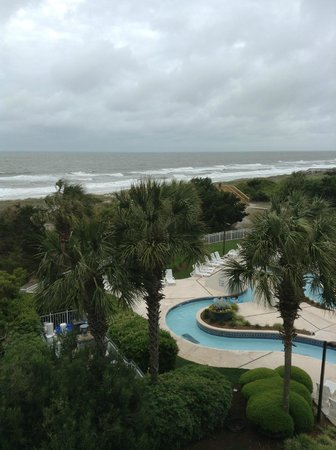 Litchfield Beach & Golf Resort: Lazy river and ocean