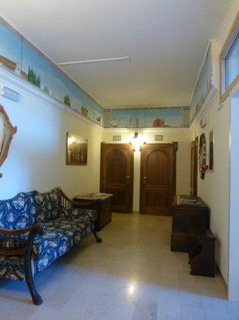 Hotel David: Another hallway