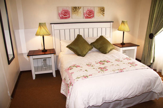 The Rose Cottage & Co: Blue Moon Room B&B