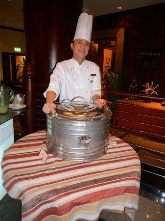 Benjarong: lo chef al lavoro