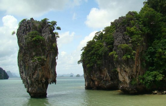 Ao Phang Nga National Park, Thailandia: Famous rock from the James Bond Movie