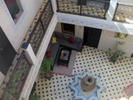 Riad El Farah: A view over the courtyard