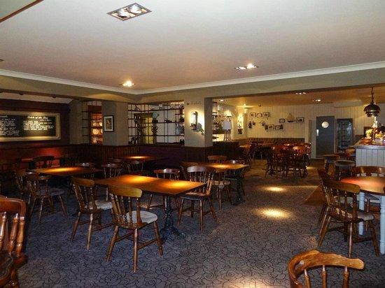 The Royal: Restaurant