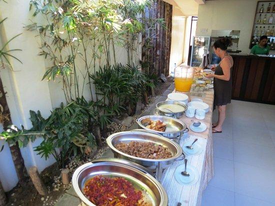 Ipil Suites El Nido: Part of the extensive buffet breakfast.