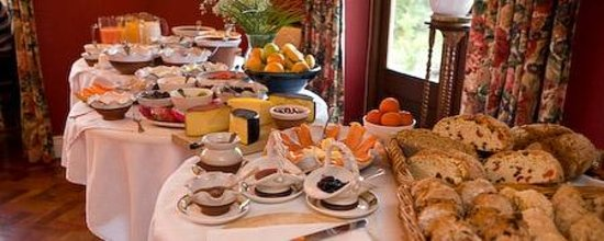 Hanora's Cottage: breakfast buffet