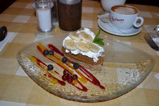 Victoria's Restaurant & Coffee Shop: Banofee pie