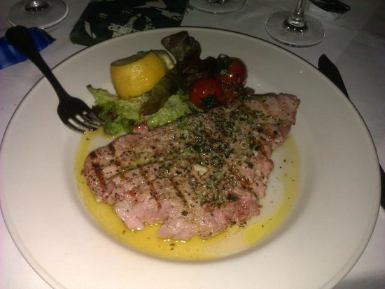 Malata Restaurant : tuna steak