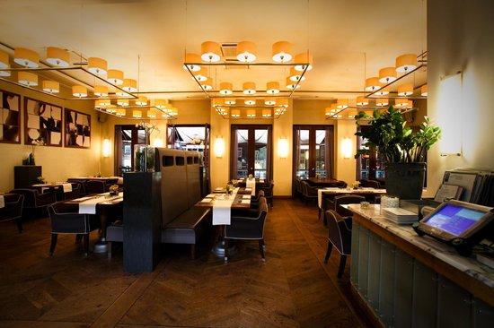Cafe Restaurant Central: Our cozy restaurant