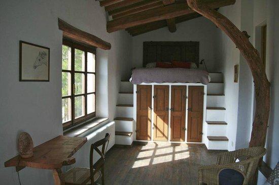 Azienda Agricola & Agriturismo Pachamama presso podere Tepolino: Seconda camera con letto sopraelevato
