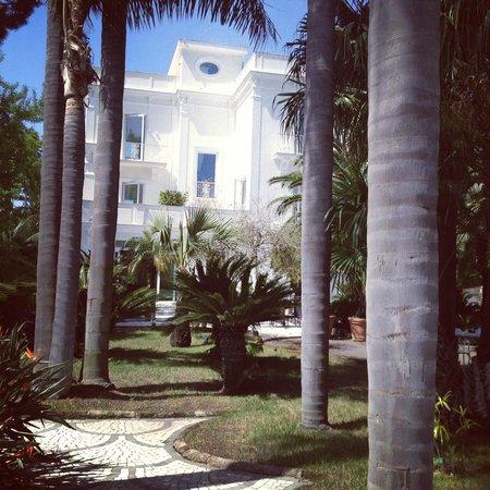 Villa dei D'Armiento: the back of the villa