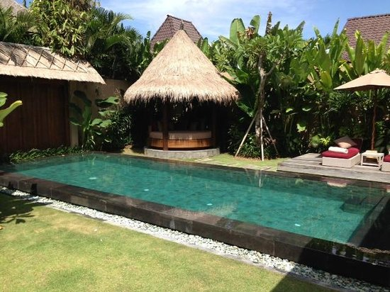 Space at Bali: Villa day bed