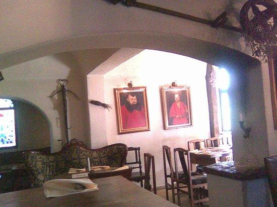 Karczma Irena: chivalry-tinged interior