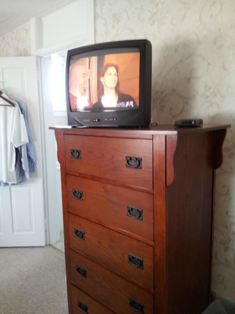 Inn of Cape May: Classy TV Set-Up
