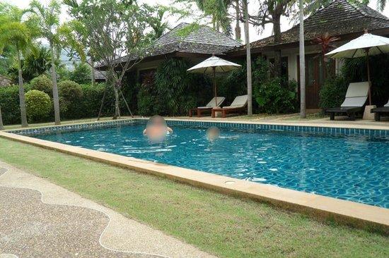 Pai Tan Villas: Biggest pool