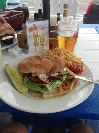 O'Maddy's Bar & Grille: Lobster BLT...yum!