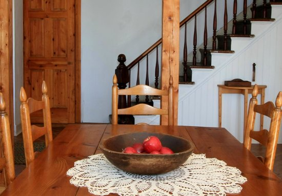 Laurel's Bed and Breakfast: Dining Room