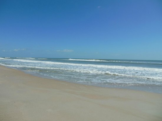 Canaveral National Seashore: lovely ocean..lots of empty beach