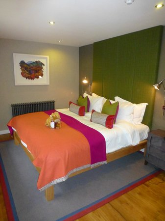 The Torridon: Comfy Colourful bedroom...