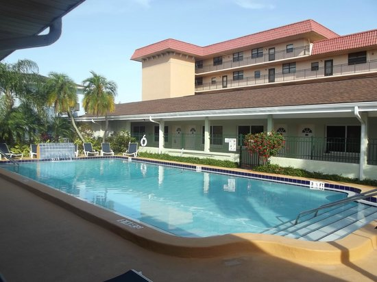 The Hotel Sol: Pool