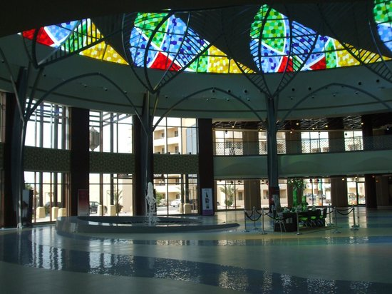 Al Hamra Mall atrium