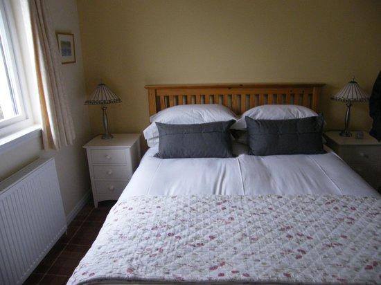 Achabhealaidh, Machrie B&B: Comfy Double Bed