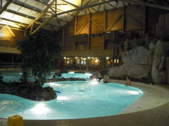 Disney 39 s davy crockett ranch le de france bailly for Piscine disneyland hotel