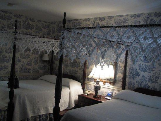 ذا ميتينج ستريت إن: Room 108 2 double beds!