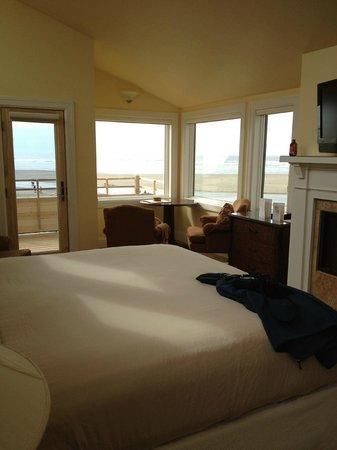 ذا وايفز / ذي أرجوناوتا إن / ذا وايت هيرون لودج: Room with an amazing view!