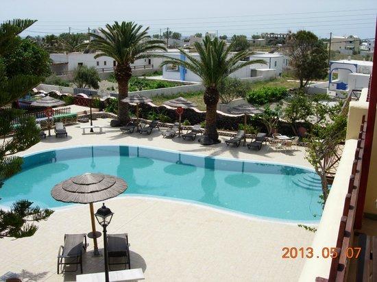 Smaragdi Hotel: Lovel pool view - quiet so far