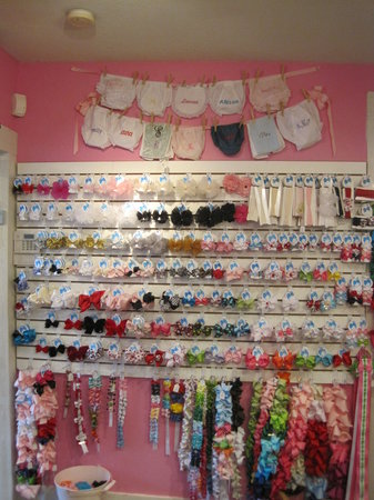 Mommie Chic And Me: Pictures of Bow Wall