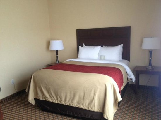 Comfort Inn & Suites : NEW Look & Feel... in our Suites