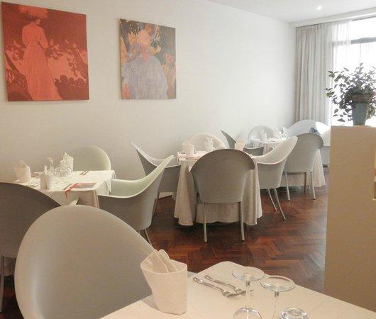 Cortaccia - Biocucina: Piano terra del ristorante Cortaccia. Mantova centro. Laterale di corso Umberto I