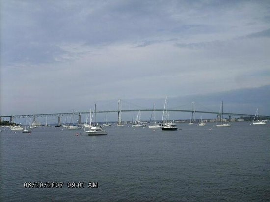 Howard Johnson Middletown Newport Area: Fab Bridge