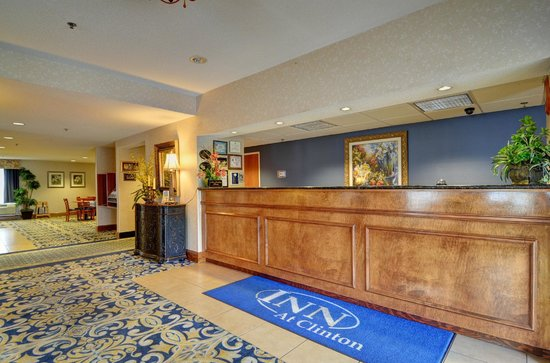Inn at Clinton : Front Desk